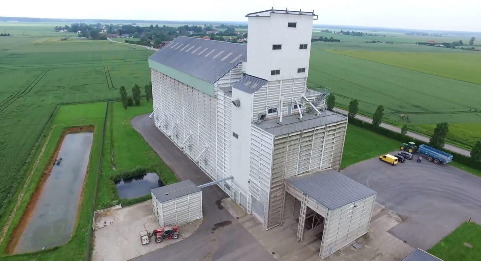 silos de collecte maison jaune